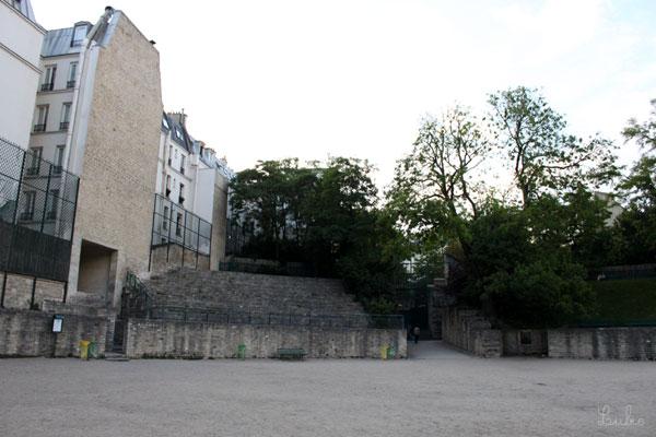 Arènes de Lutèce 遺跡と建物