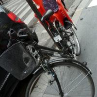全身固定する自転車用チャイルドシート
