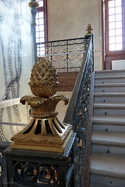 ちゅるちゅる装飾の石階段@シャマランド城