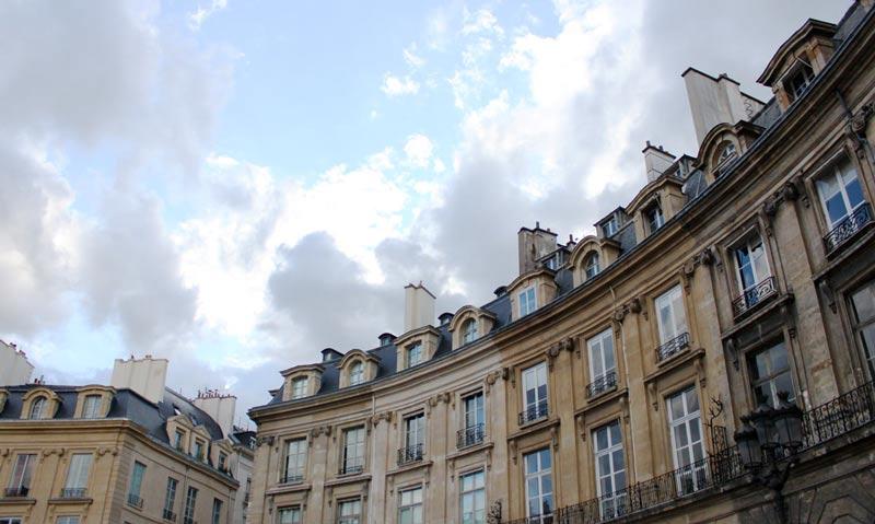 Nuages @ Place des Victoires