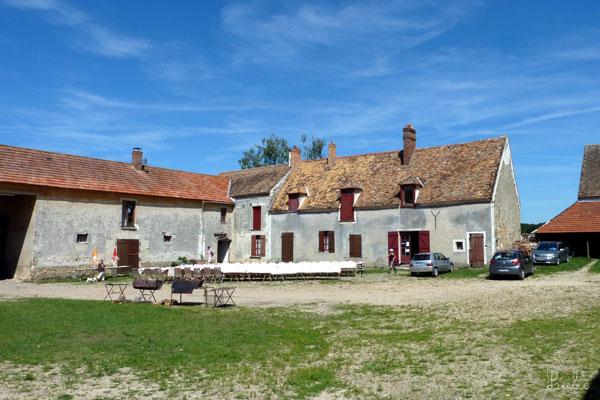 フランス 乗馬学校 味のある建物