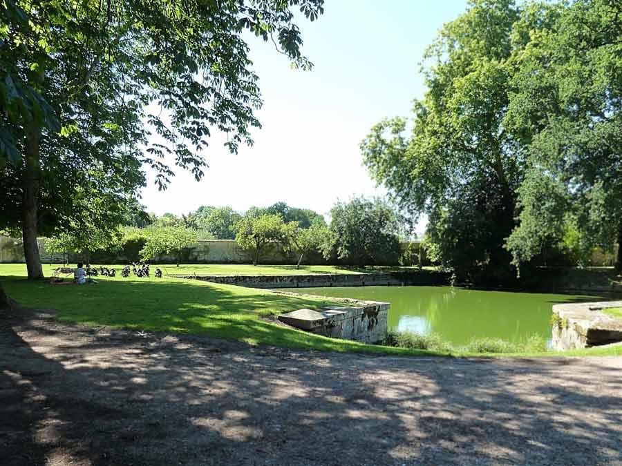 Saint-Jean de Beauregard 小さな池