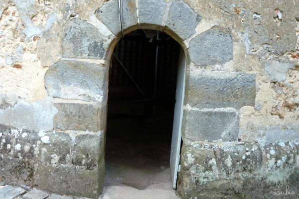 Pigeonnier(ピジョニエ、鳩小屋)の入口です。
