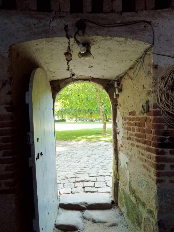 鳩小屋出入口
