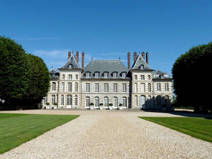 ボールガール城 Château de Saint Jean de Beauregard