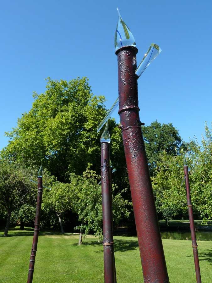 サン=ジャン・ドゥ・ボールガール 竹みたいな庭のオブジェ