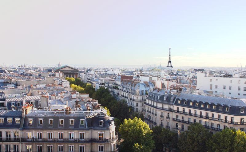 Parisエッフェル塔が見渡せる場所