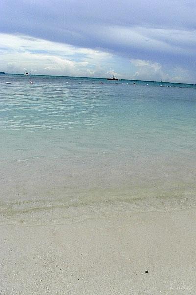 砂浜と透明な海@マニャガハ島-サイパン