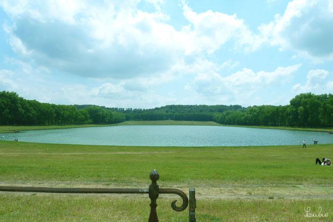 ヴェルサイユ宮殿の南にある池、Pièce d'Eau des Suisses近辺を散歩して...